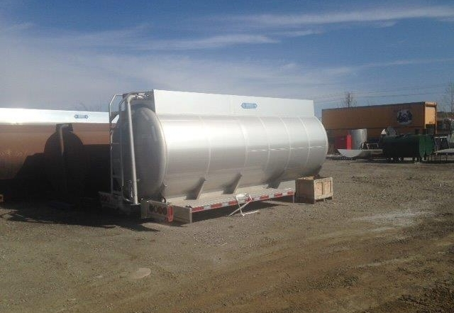 2015 16,000/1 Stainless 407 Chassis Mount Crude Oil